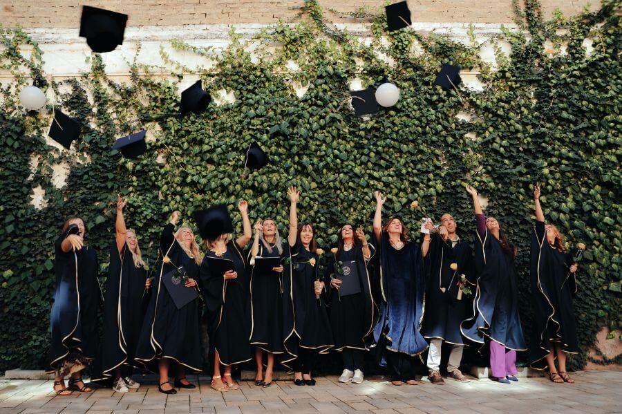 Farmaceutski fakultet NS diplomci